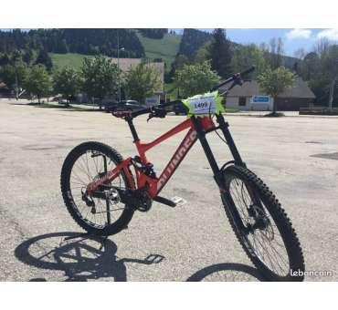 Vélo de descente Mondraker Plunder